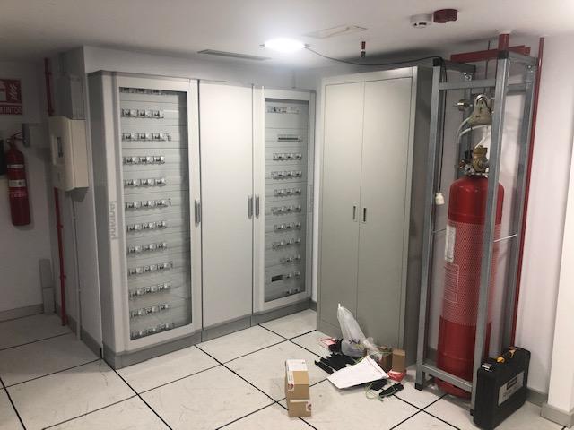 Cuadro eléctrico y extracción de incendios independiente.